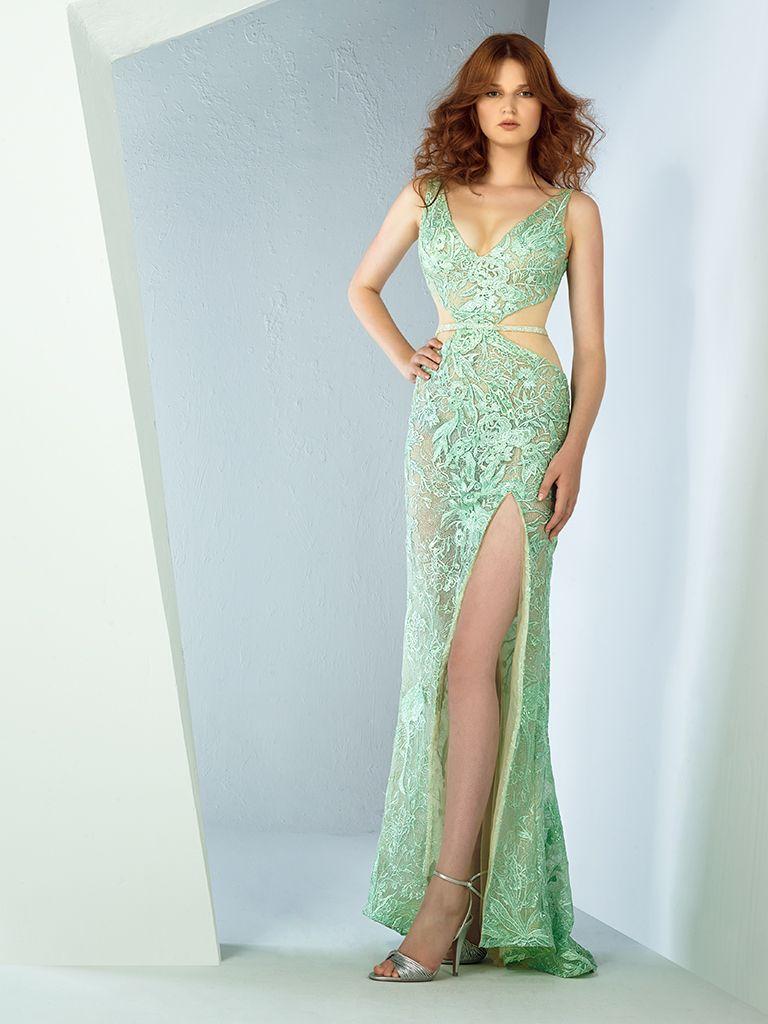 Flat 2018 Evening Dress Available At Esposa Privé Store In Jumeirah