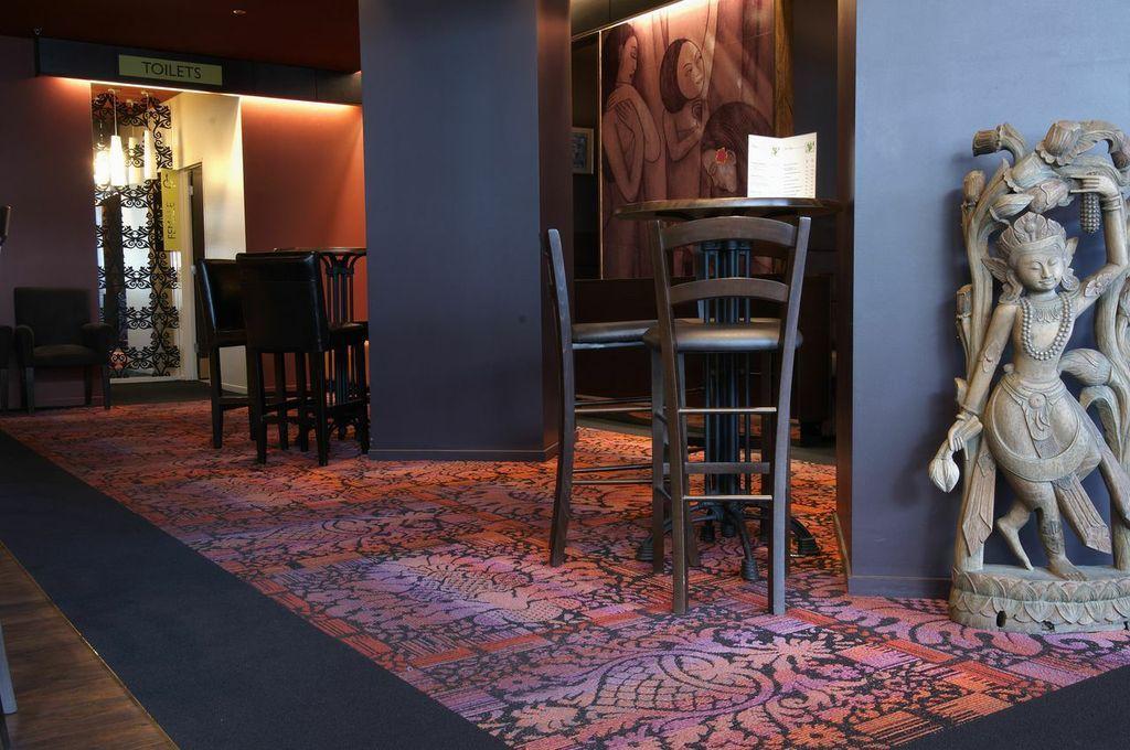 Restaurant carpet tiles tile design ideas for Design positive tile