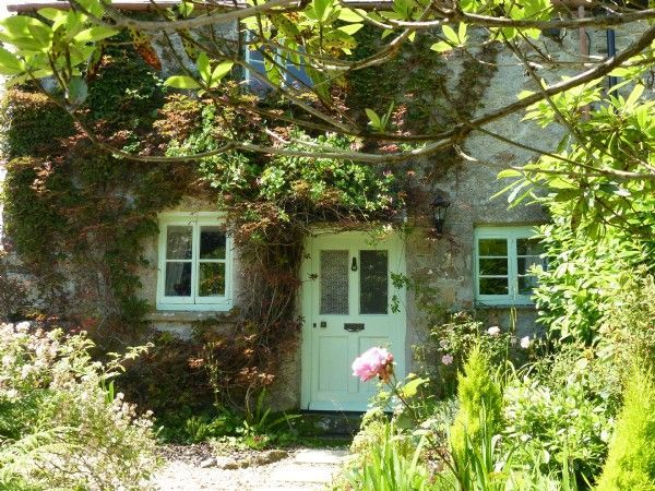 Casinha colorida: Cottage: colorida, romântica e cigana