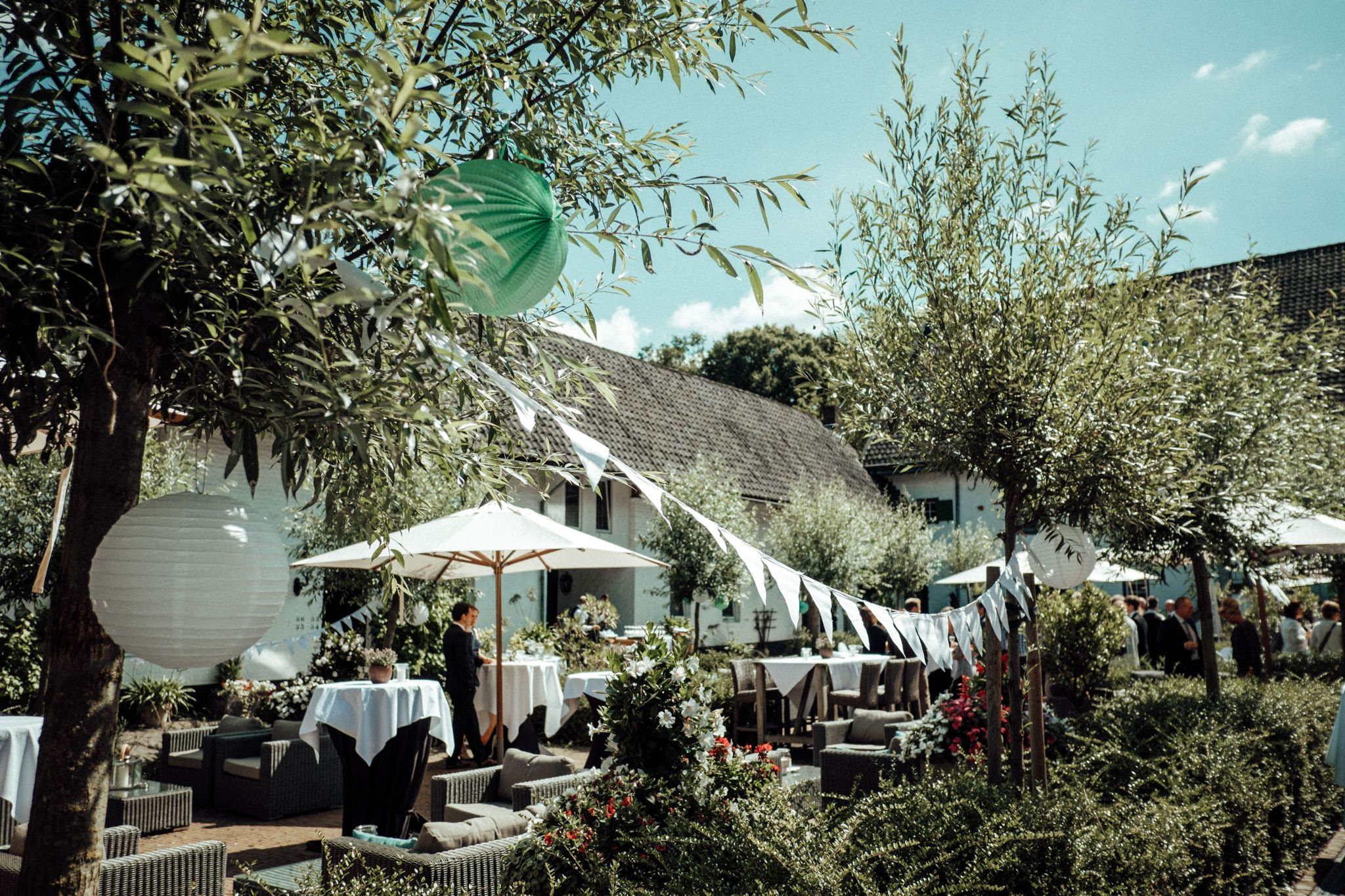 Hochzeit Feiern In Einer Rustikalen Alten Scheune In Der Euregio Boho Inspirierte Sommerhochzeit In Nrw Hochzeit Location Hochzeitslocation Hochzeit