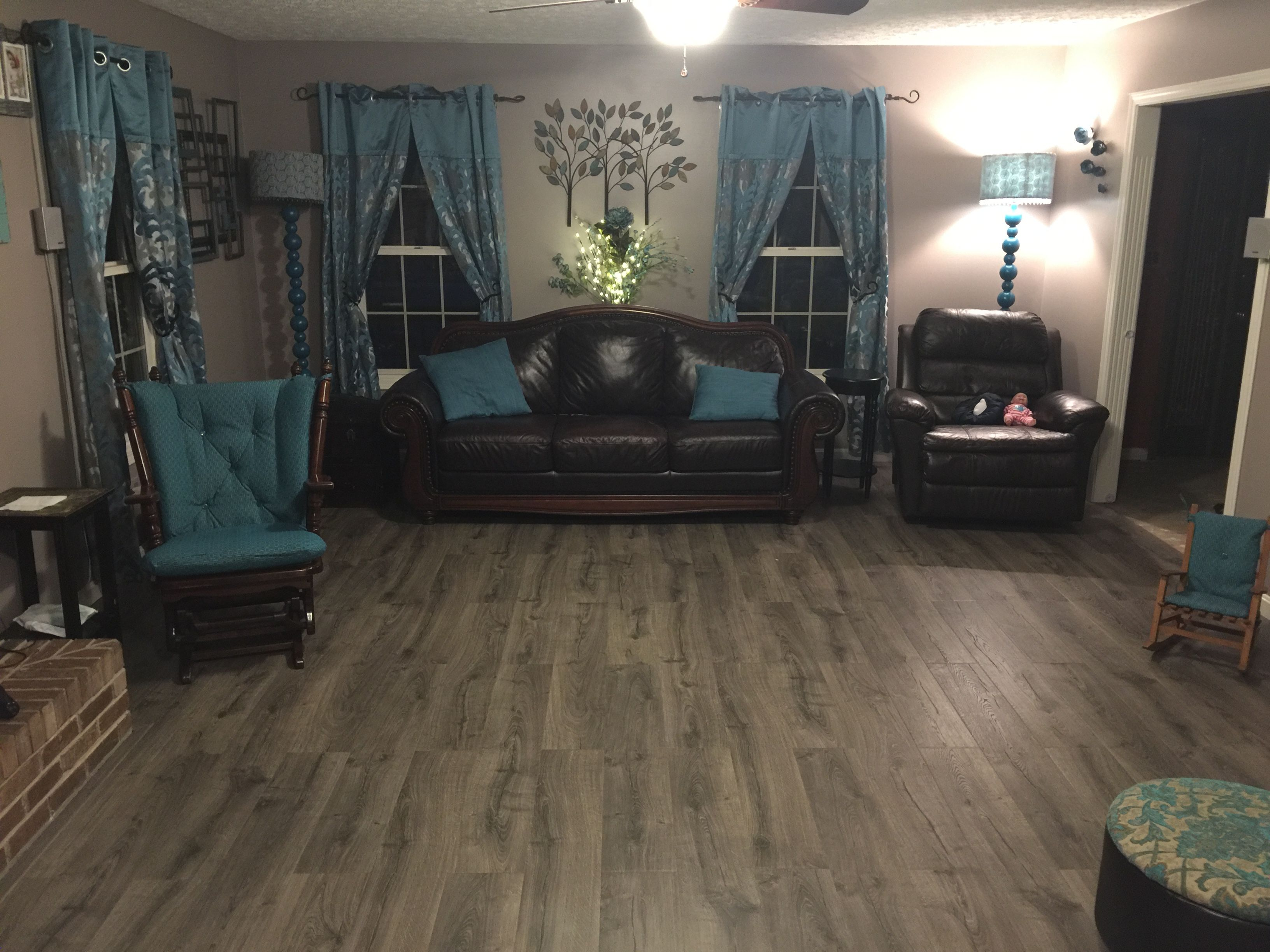 Pergo Outlast Vintage Pewter Oak Laminate Flooring