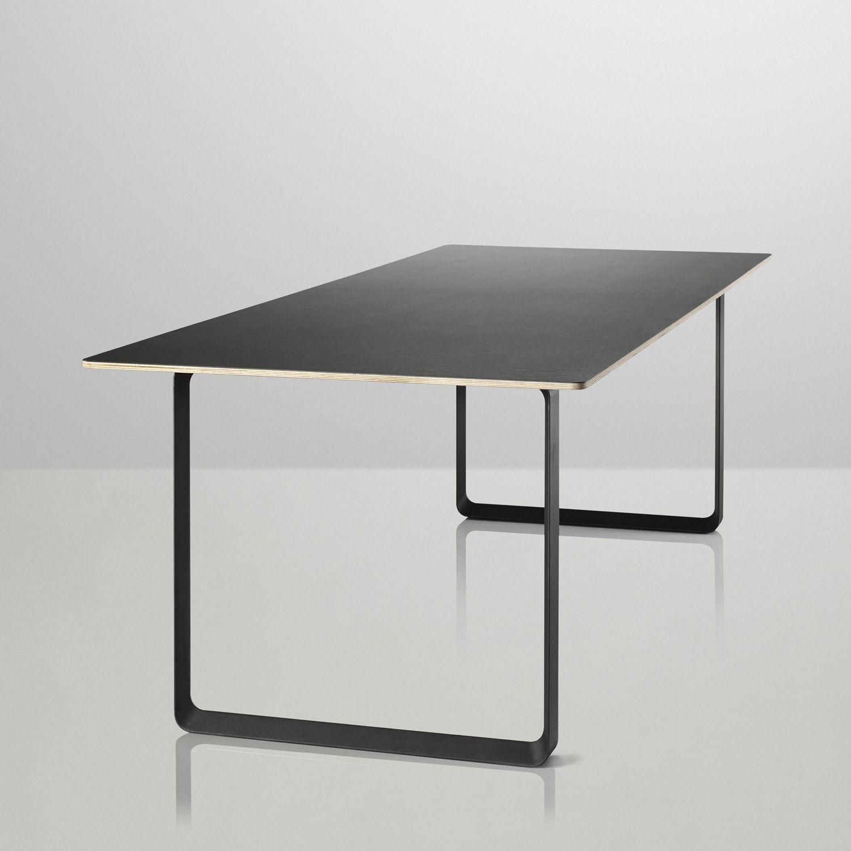Muuto Table 70/70 | 225 x 90 cm | € 1.495 | Tafeltje dekje ...