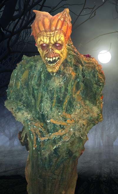 Halloween Forum member lifesized prop mask, 2x4 wood frame, great
