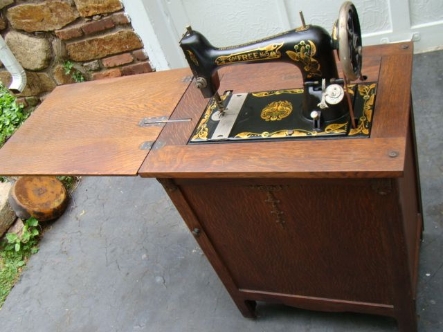 Very rare free treadle sewing machine in oak cabinet singer sewing ...