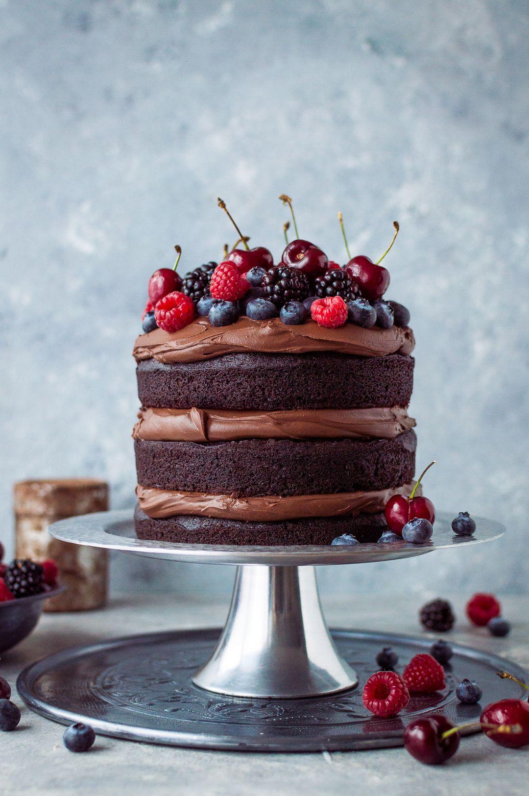 Vegan chocolate fudge cake - an easy to make, moist, fudgy vegan ...