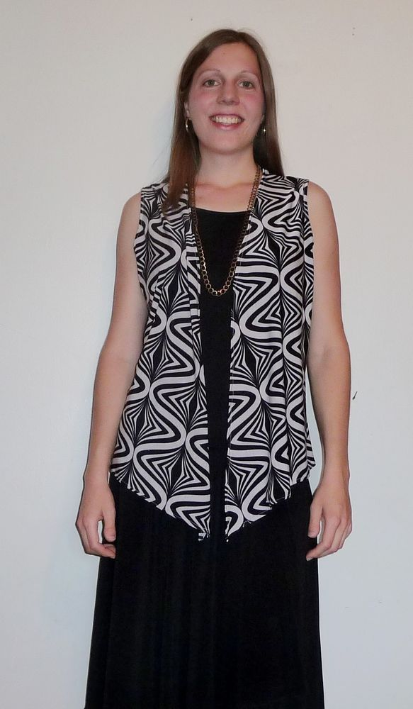 Geometric black and white flyaway cardigan