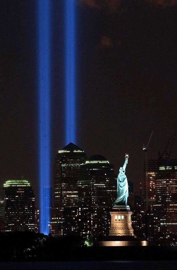 NYC World Trade Center Tribute In Lights PHOTOgraphics - Two beams light new yorks skyline beautiful tribute 911