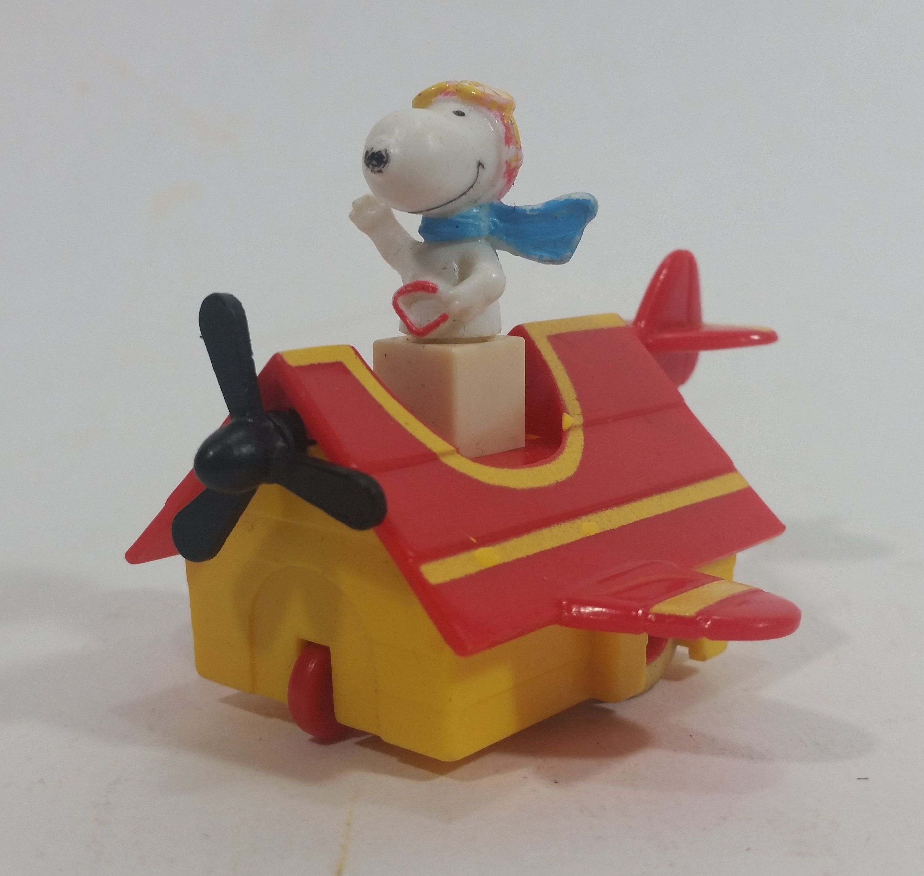 Vintage 1989 Peanuts Gang Pop Mobiles United Features Syndicate Snoopy Flying Ace Doghouse Plastic Toy Mcdonald S Happy Meals Snoopy Collectibles Plastic Toys Snoopy
