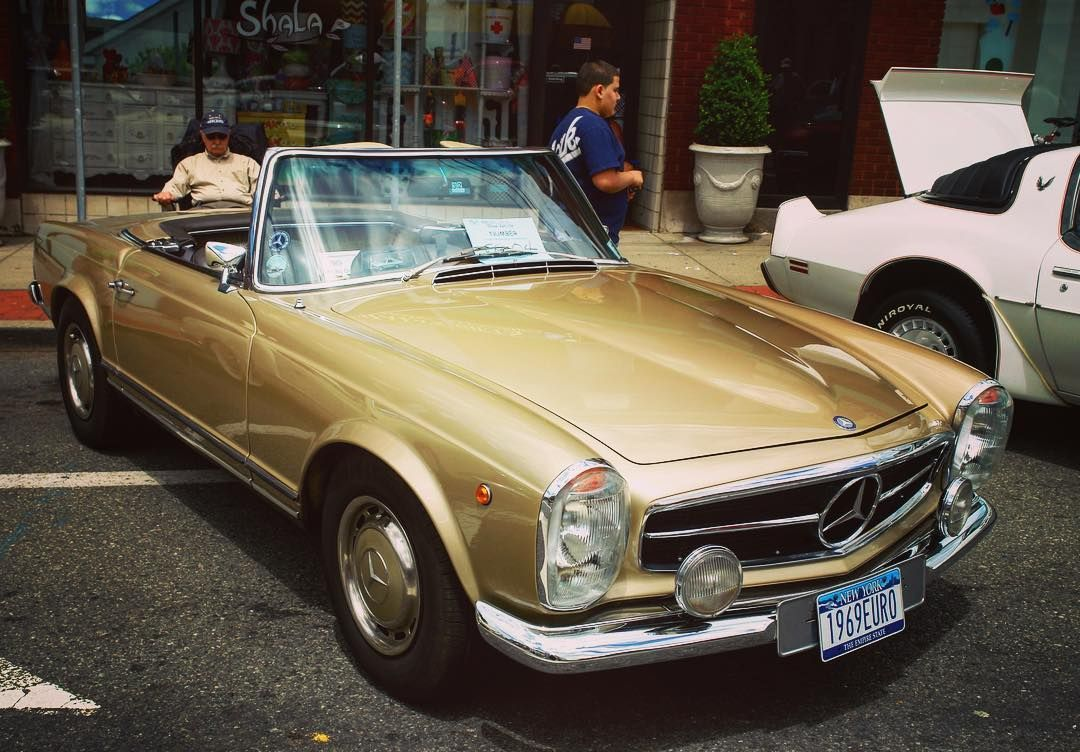 Gorgeous Vintage Mercedes Convertibles Should Definitely Come In