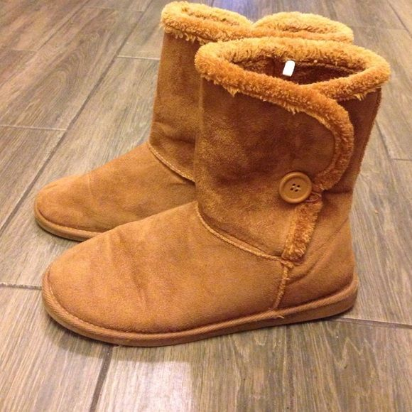 Wet Seal boots Pull on boots in good condition. Wet Seal Shoes Ankle Boots & Booties