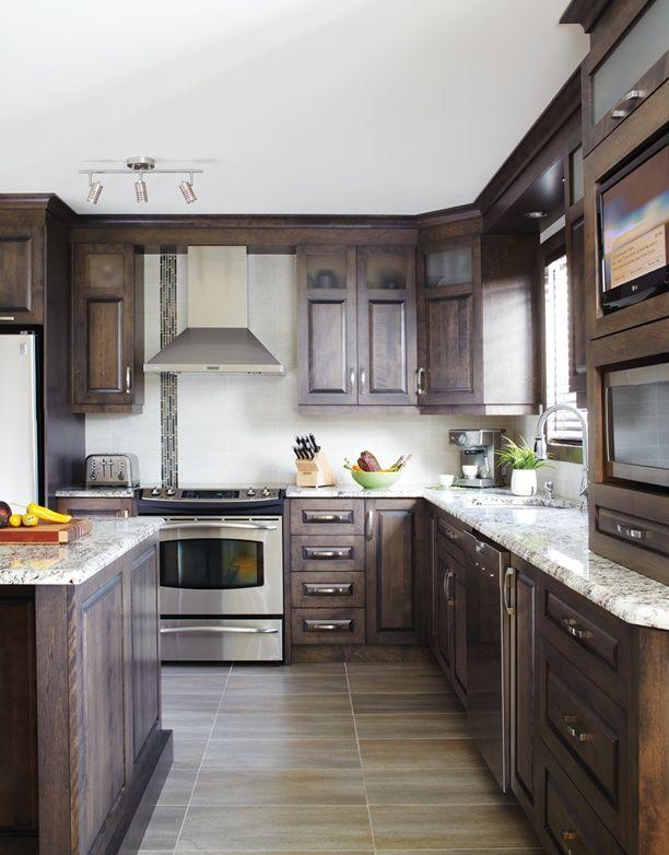 Armoires de cuisine de style classique Lu0027îlot et la totalité de la