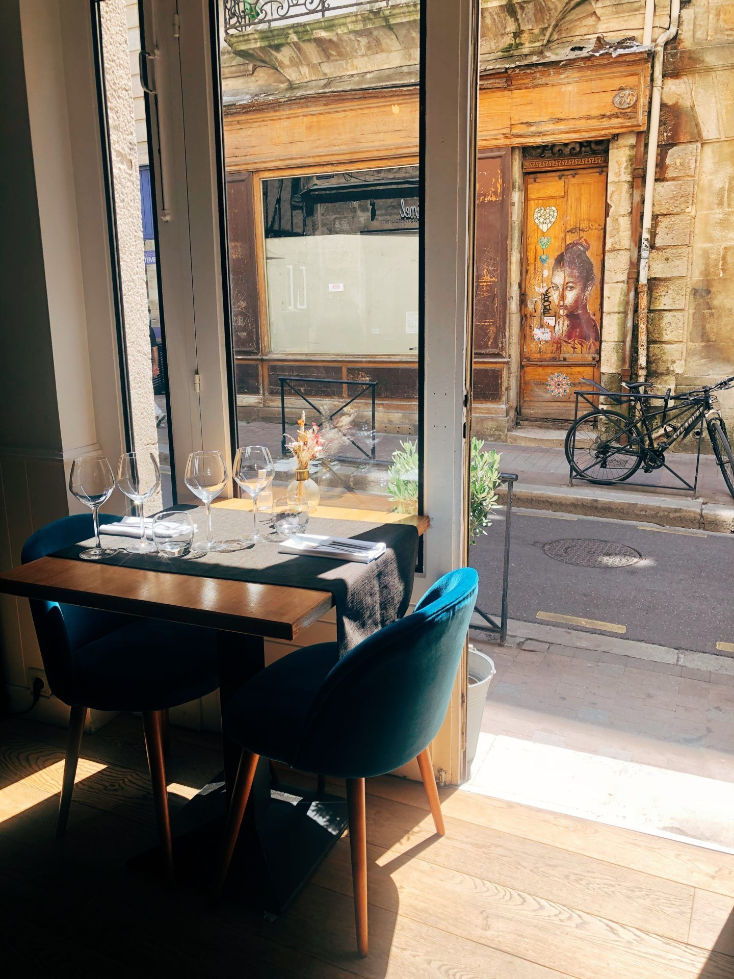 Weekend A Bordeaux Mes Bonnes Adresses Le So Girly Blog En 2020 Bordeaux Restaurant Gastronomique Vin Bordeaux