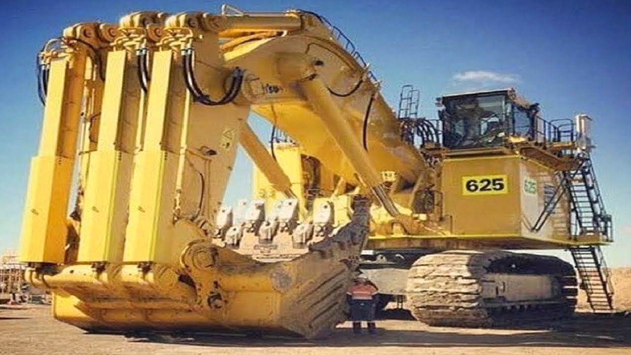 Modern Excavators Civil Engineering Technology at Work