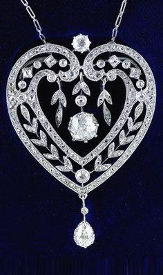 A Belle Epoque platinum and diamond heart-shaped pendant necklace, circa 1910. #BelleÉpoque #pendant