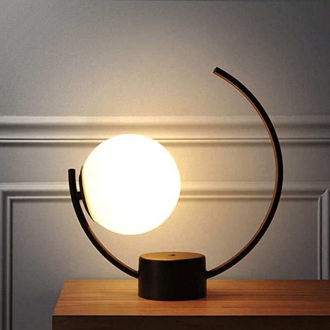 Se lo scrittoio trova posto in camera da letto,. Lj Moda Lampada Da Comodino Nordic Lampada Da Comodino Camera Da Letto Creativa Dimmerazione Calda Casa Semplice Arte Moderna Per Simple Lamp Modern Glass Lamp
