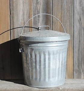 Vintage 10 Gallon Galvanized Metal Trash Can With Lid Very Good Condition Metal Trash Cans Trash Can Galvanized Metal