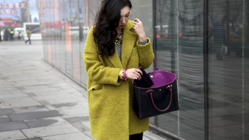 7 位時裝博客為 Loewe Leo Bag 拍攝硬照 - Fashion | Popbee