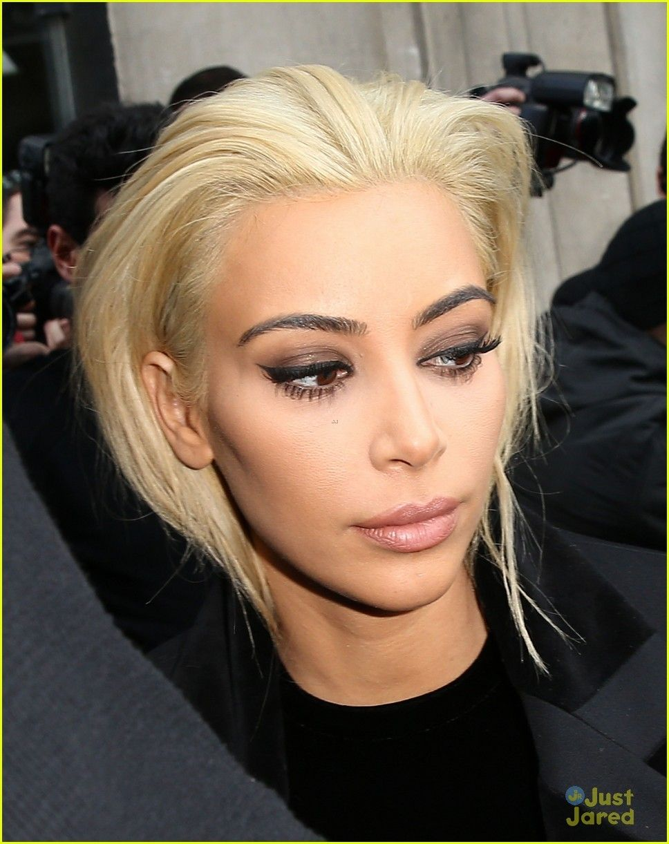 Kim Kardashian Blonde Slicked Back Hair Slick Hairstyles Kim Kardashian Hair Kim Kardashian Blonde