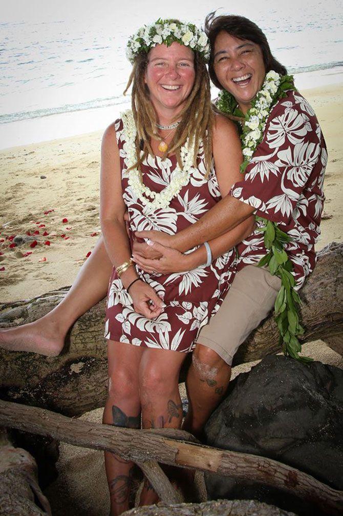 I Do Hawaiian Weddings Hy An On Oahu Beach Their Wedding Day