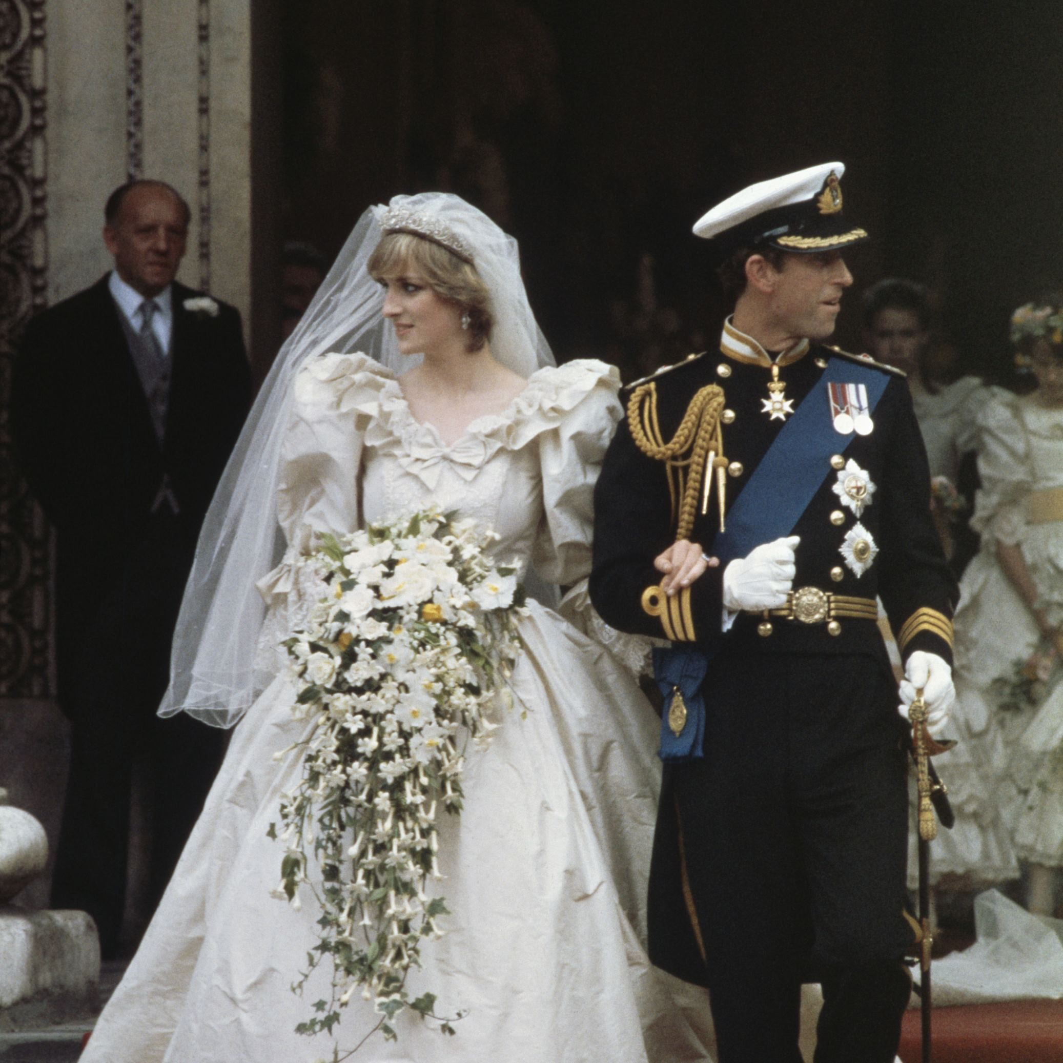 Princess Diana S 27 Best Style Moments Princess Diana Wedding Dress Diana Wedding Dress Princess Diana Wedding [ 2074 x 2074 Pixel ]