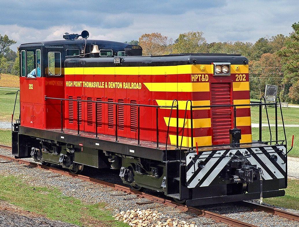 high point thomasville denton railroad ge 70 ton switcher 4 axle diesel electric locomotive in denton north carolina usa - Christmas Train Denton Nc