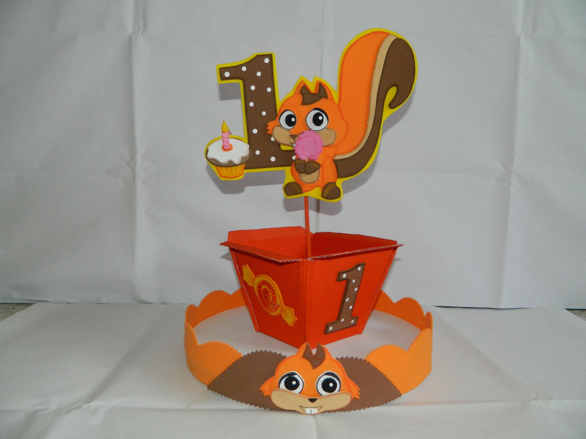 Centro de mesa baby tv decoraciones para fiestas for Decoracion de mesas infantiles