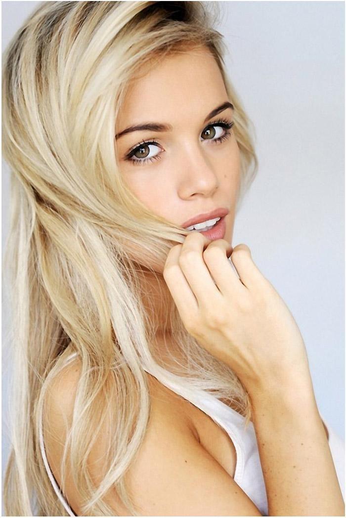 Natural Blonde Hair Brown Eyebrows Tresses Blonde Hair