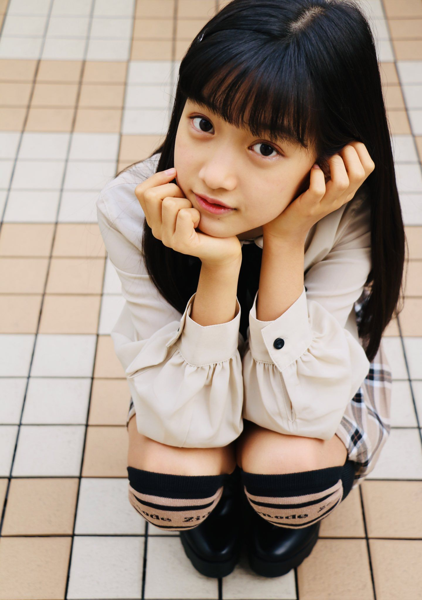 pin on 女の子モデル 01