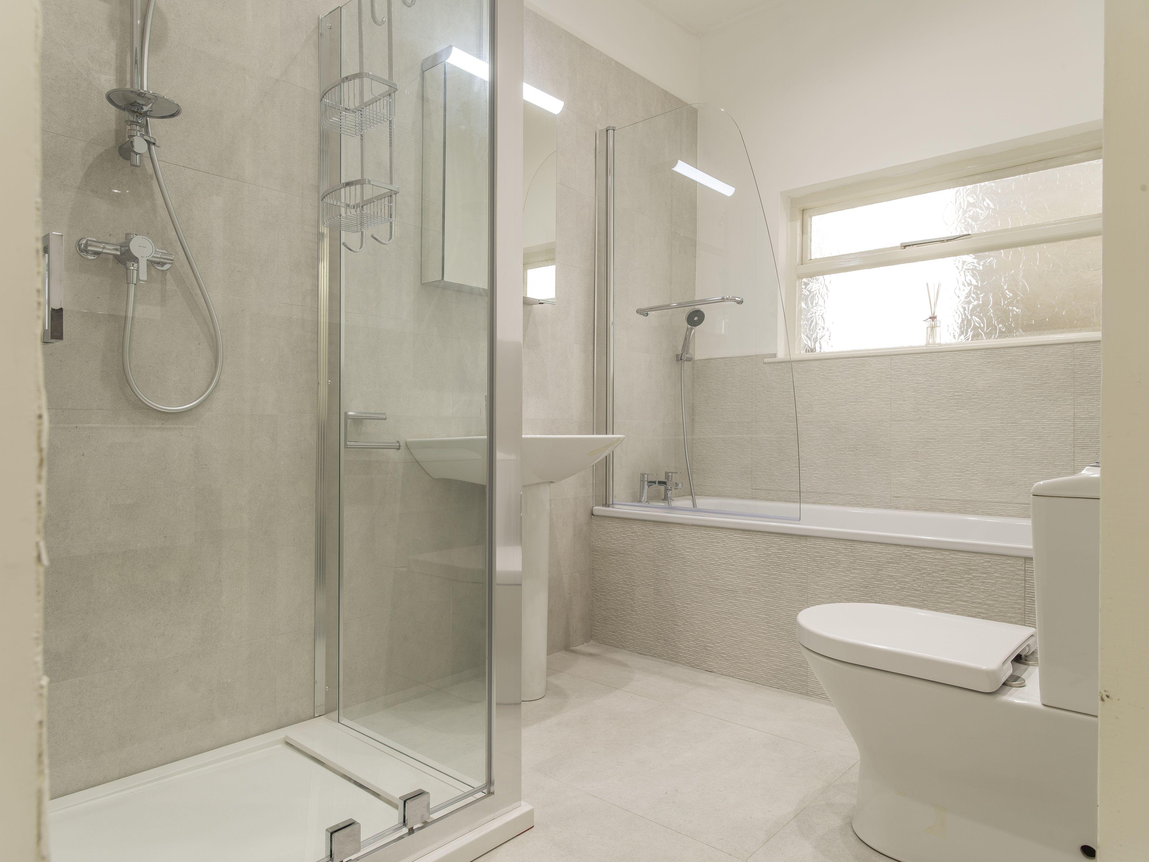 Buildbase Bathroom Showrooms Traditional Bathroom Suites Traditional Bathroom Modern Bathroom Design