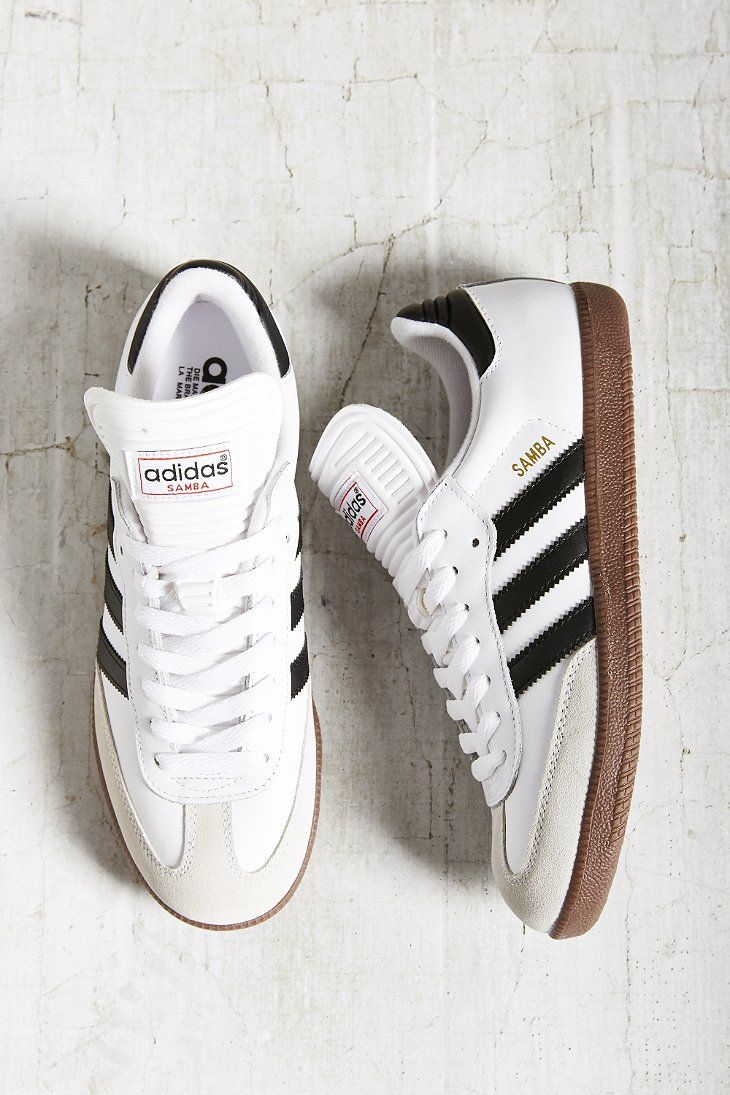 the best attitude 5a1db 18547 adidas Originals Samba Sneaker - Urban Outfitters