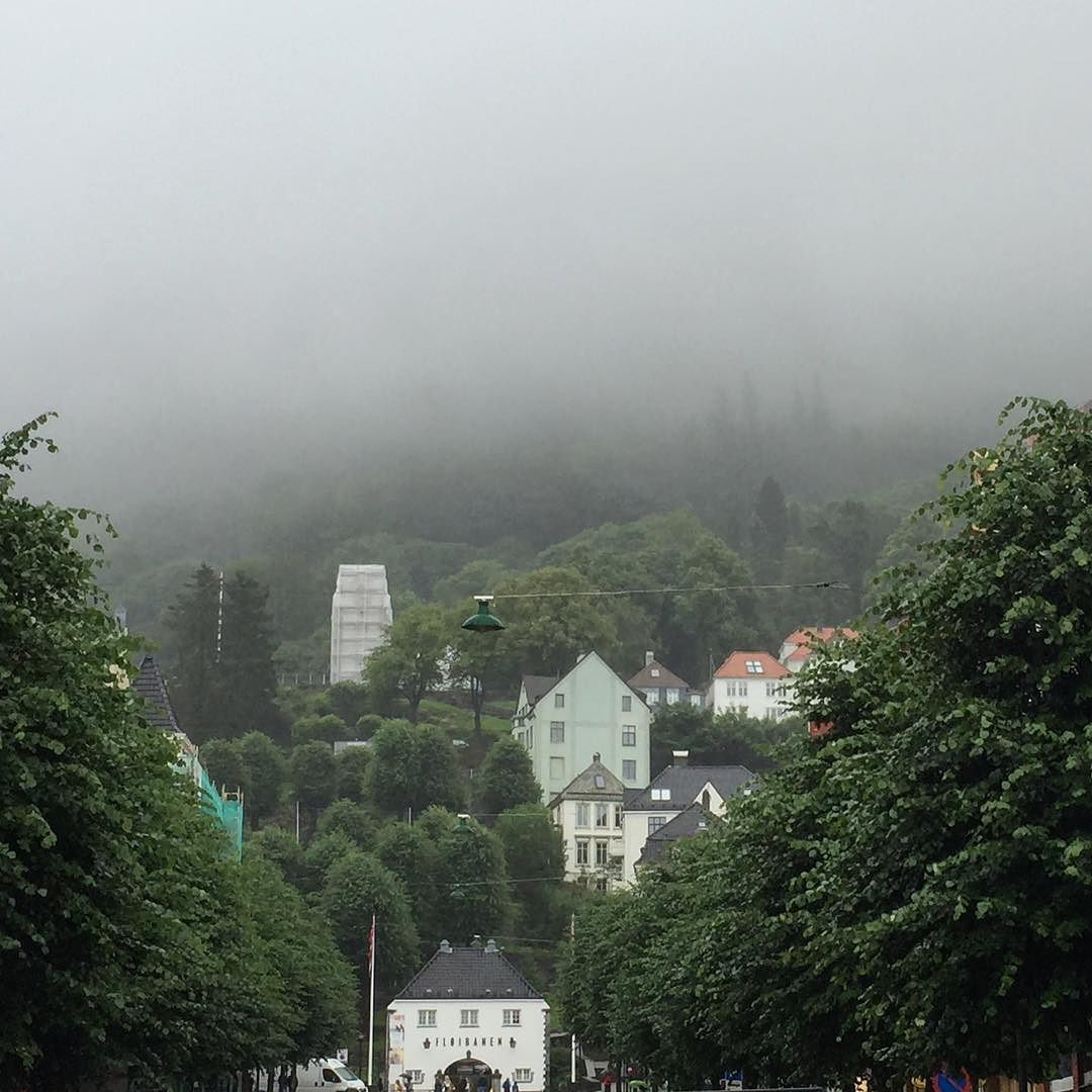 Love you winter-style summer Bergen  #lucajouel #travelfave #love #bergen #norway #summerlovin