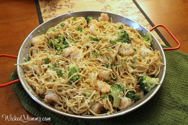 Wicked Yummy: Lightened Up Shrimp and Broccoli Alfredo