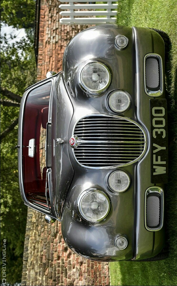 (°!°) Ian Callum Mk2 Jaguar, going retro 2Bitch'n....