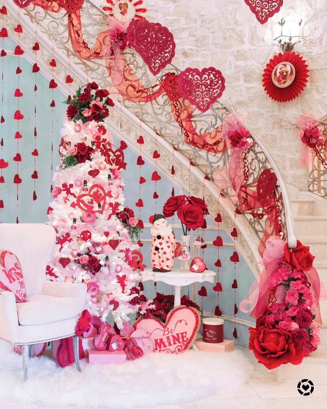 Valentines Day Pom Pom Wreath