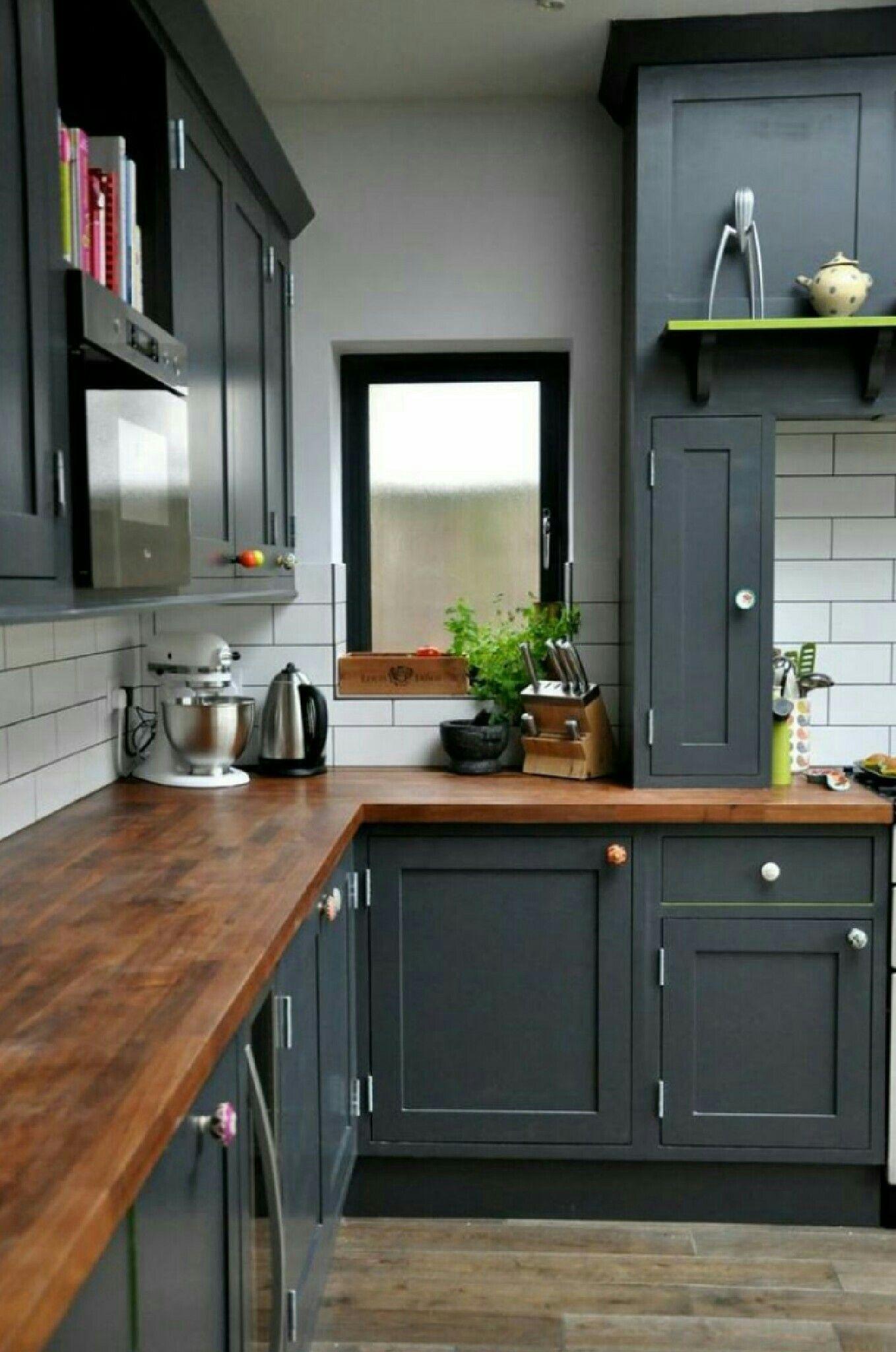 Cabinet Colors And Light Backsplash