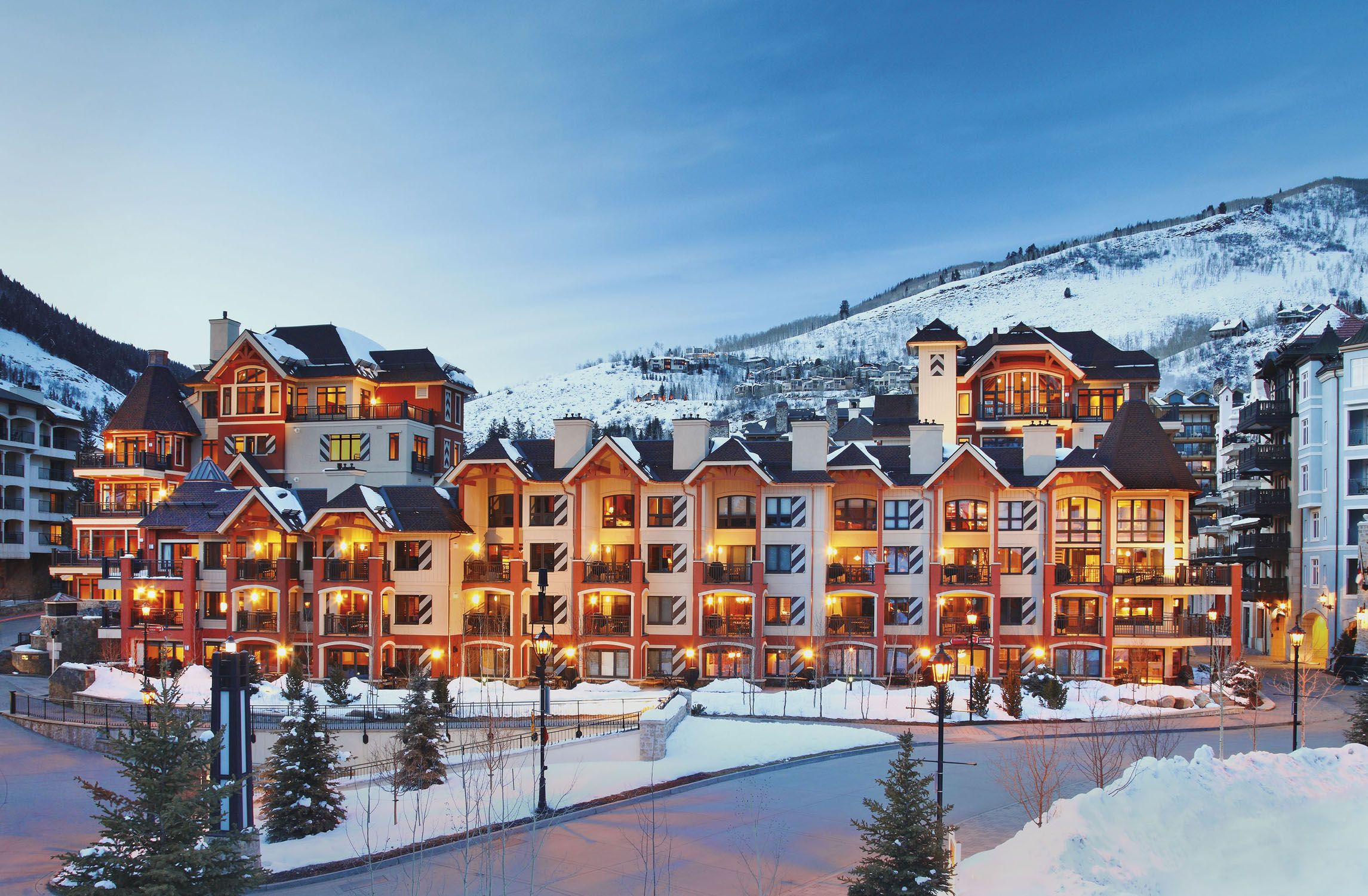 Lion Square Lodge In Vail Co Vail Skiing Best Ski Resorts Resort