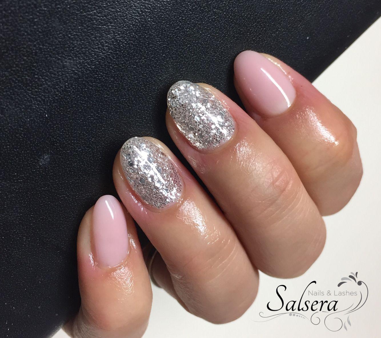 nails n gel nude glitter silber nageldesign nailart short nails nails u as n gel. Black Bedroom Furniture Sets. Home Design Ideas