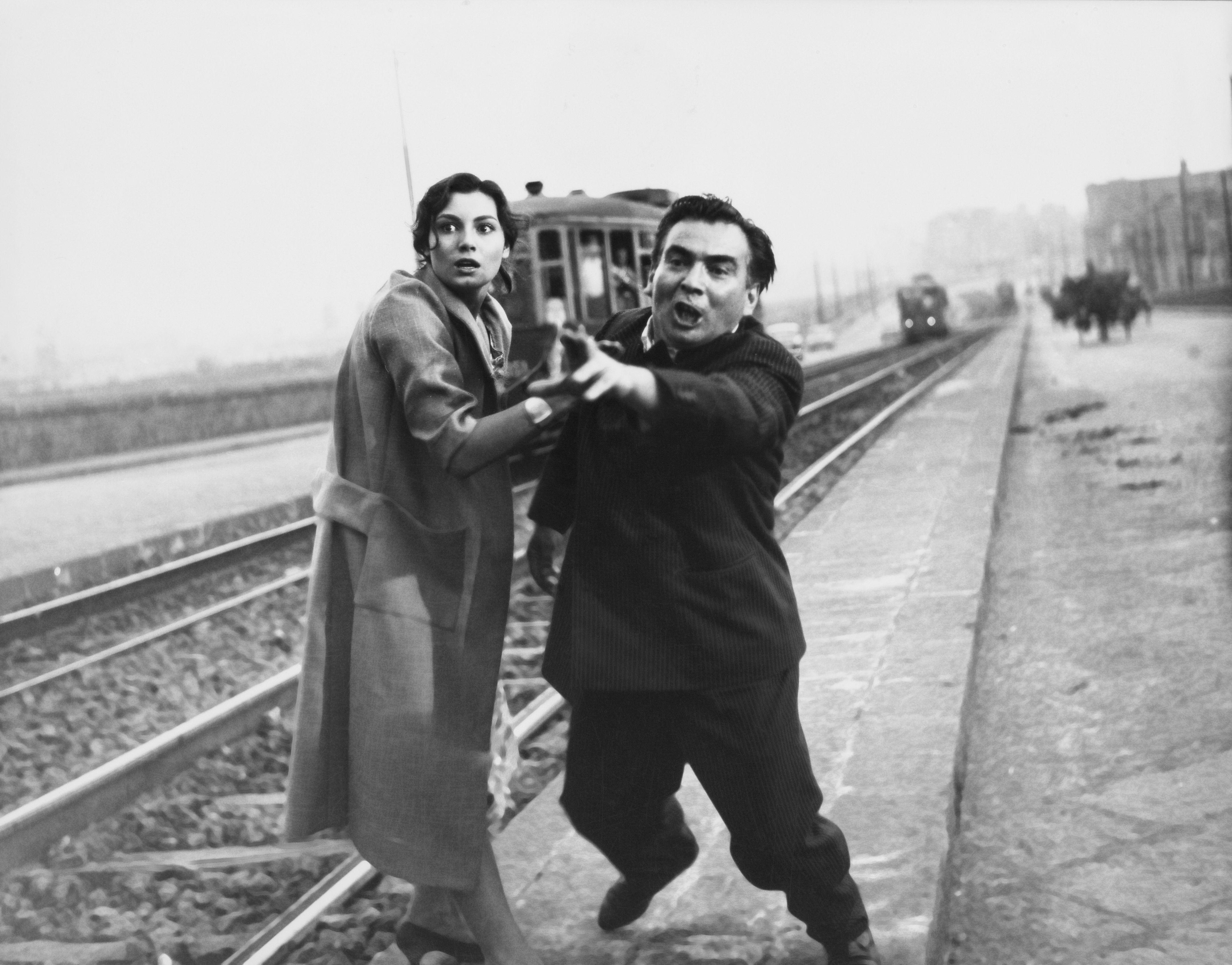 La Sfida Di Francesco Rosi Italia 1958 Rosanna Schiaffino Assunta E Nino Vingelli Gennaro Foto Di Ermanno Consolazione 1958 Ca Cinema Foto Neorealismo