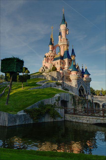dream castle disneyland paris france castle disneyland paris