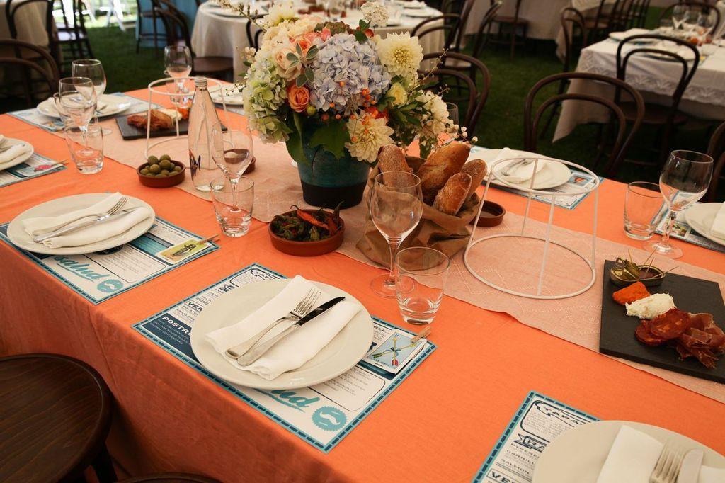 Spanish wedding table setting design \u0026 catering by Bay Leaf Catering & Spanish wedding table setting design \u0026 catering by Bay Leaf ...