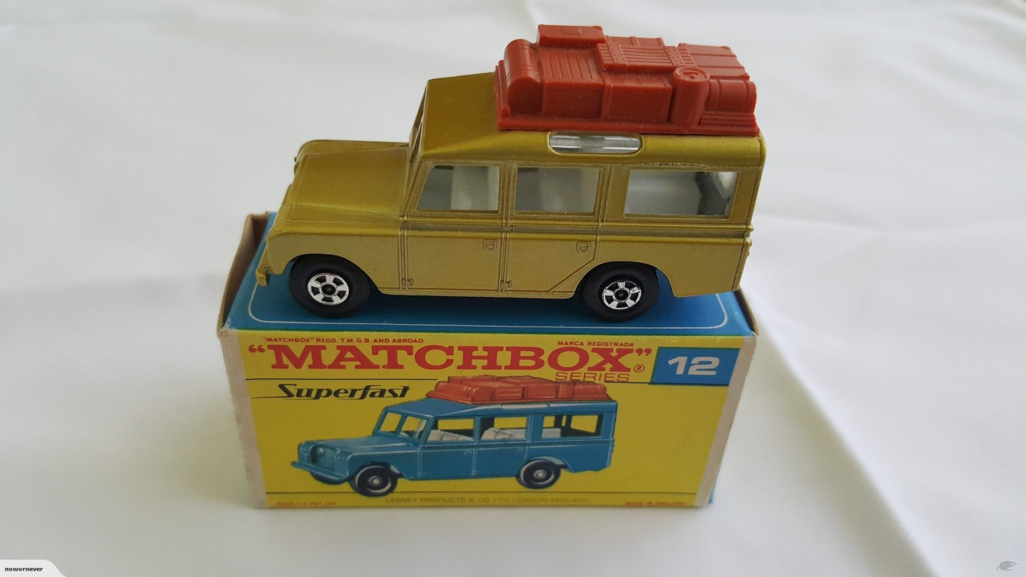 Matchbox Superfast Land Rover Safari with HTF early box
