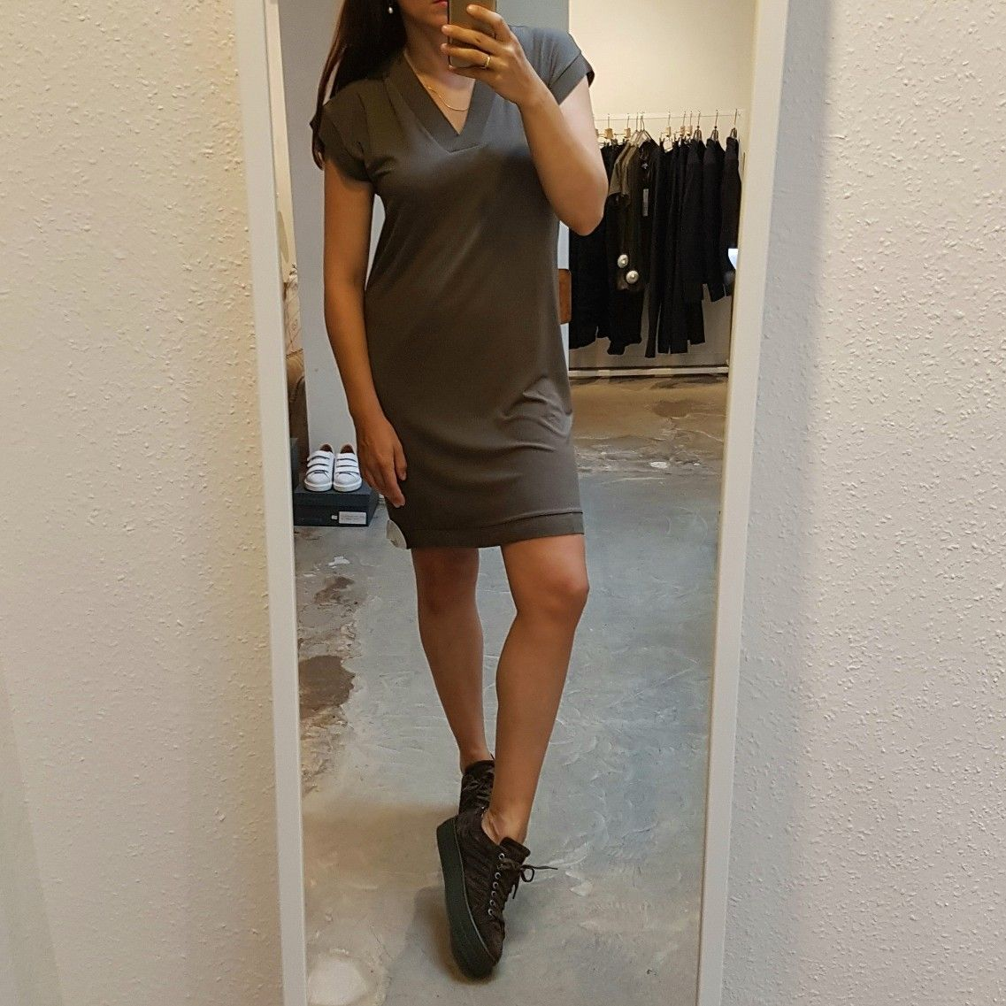 YaYa Loose-Fitting V-neck Dress  Via Vai Gaber Elevation Sneakers   @ #Vollers386, #Oudegracht 386 in #Utrecht.