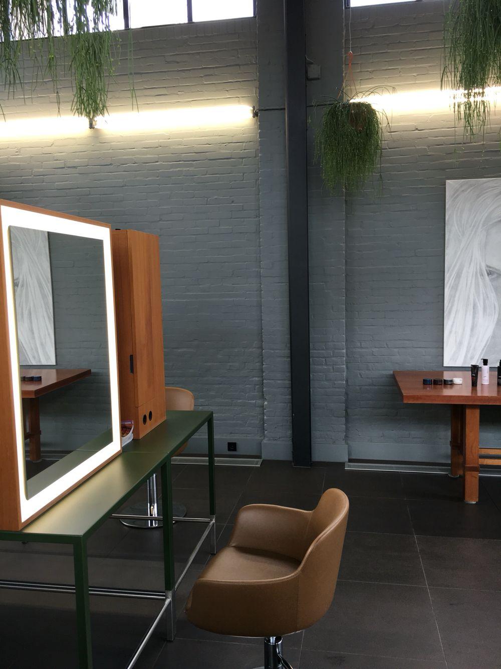 Arnolds kapper| Hilvarenbeek Interieur by Wim de Vos ❤ | RETAIL ...