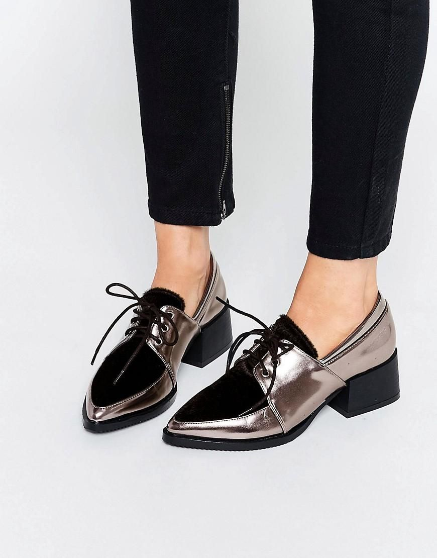 Metallic Lace Up Point Flat Shoes