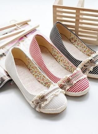 Fashion and Sweet Style Bowknot and Lace Embellished Stripes Round Head Design Womens Flat Shoes So CUTE