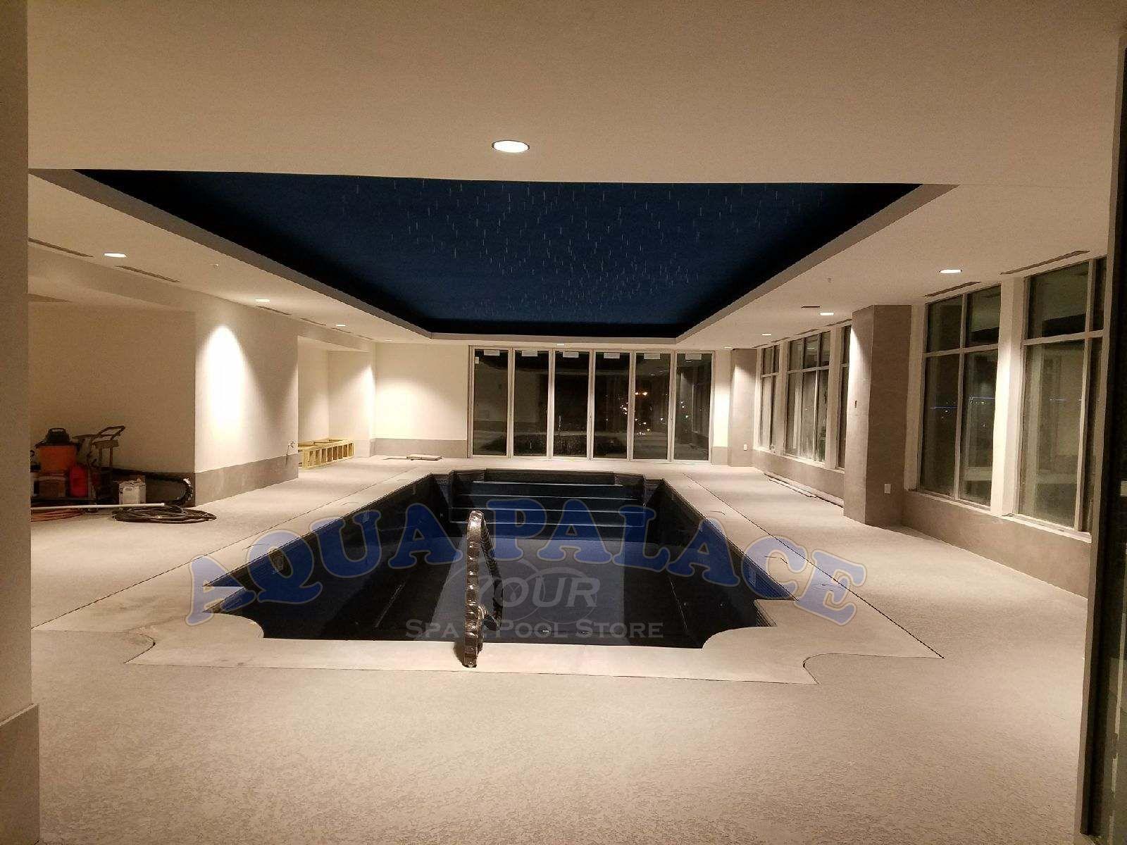 Atlas Apartments In Downtown Omaha Ne Fiberglass Pool On 8th Floor 16 X 44 Pool With Dual Staircases Custom W Pool Builders Building A Pool Pool Designs