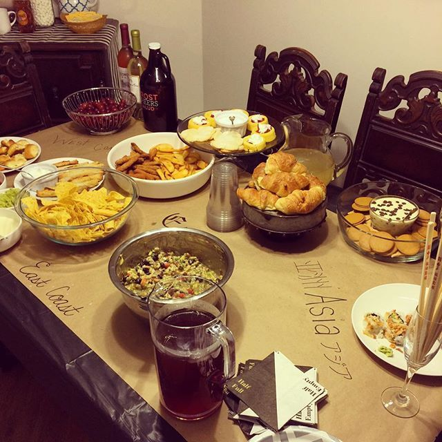 SnapWidget | Check out the newest blog and how we traveled the world in one night! #happynewyear #2016 #dinnerparty #friends #celebrate #georgyemichele #uniquelysouthern #blogger #lifestyle #dinnerparty friends