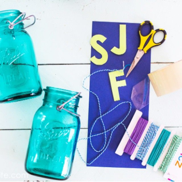 """Mason Jars + Cardstock + Twine + Tape for """"laminating"""" the letters = An easy and charming way to store your kid's toothbrushes. Direct link in bio."""