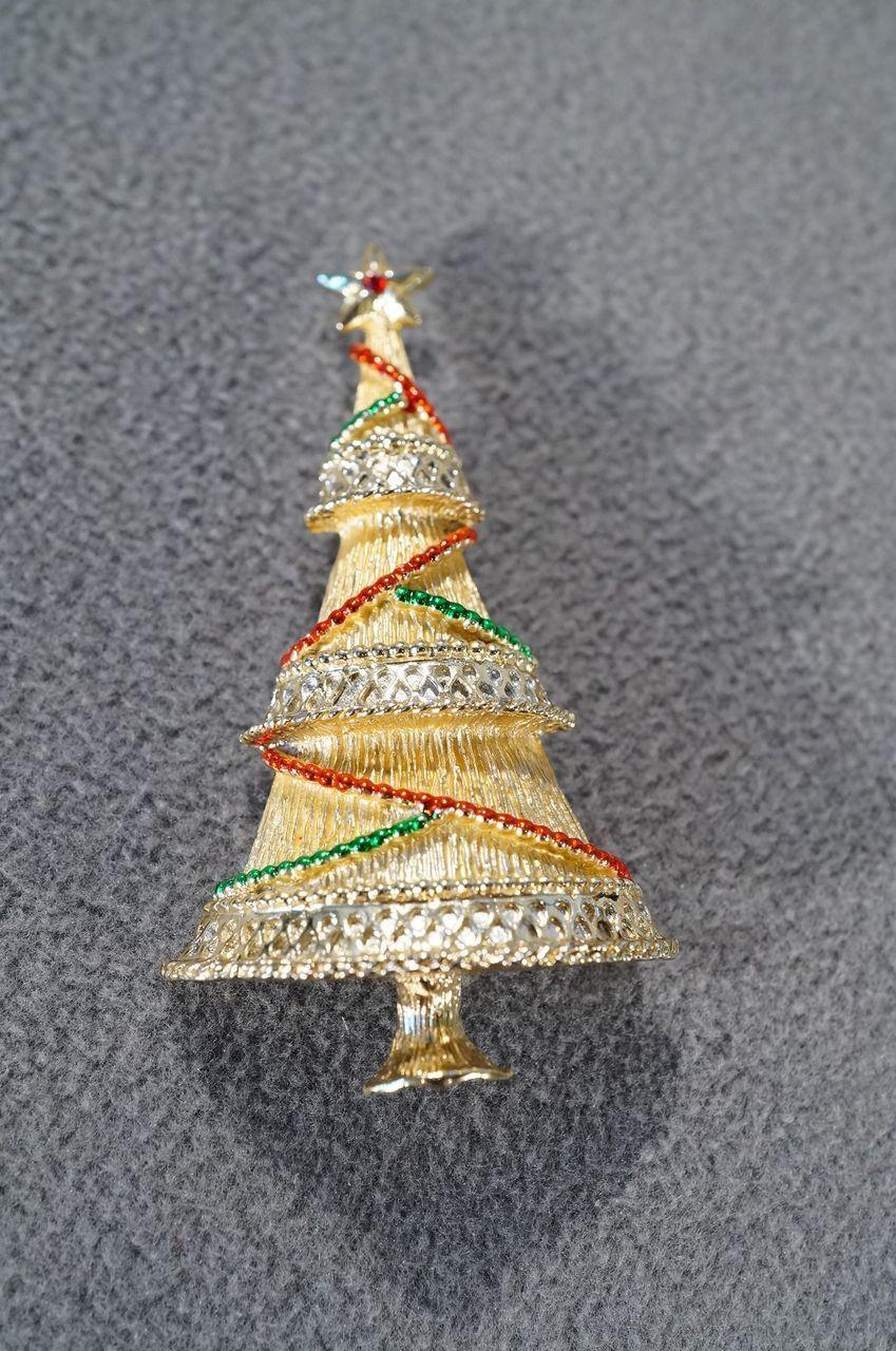 Vintage Yellow Gold Tone Fancy Emerald Green Ruby Red Enameled Ruby Red Rhinestone Fancy Etched Bold Chris Red Rhinestone Vintage Yellow Jewelry Christmas Tree