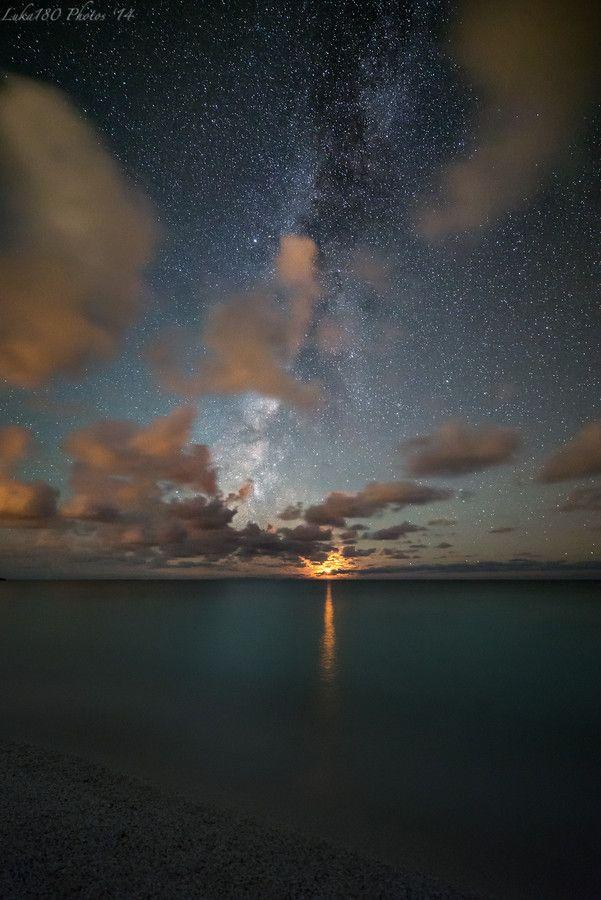 Photo Moonset